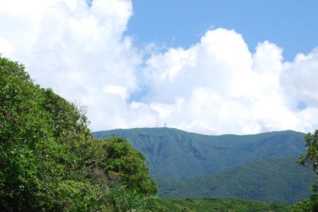 晴天の三原山