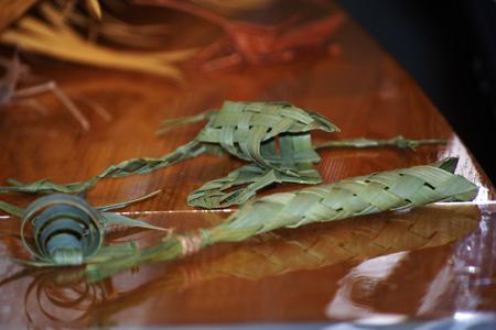 ヤシの葉細工