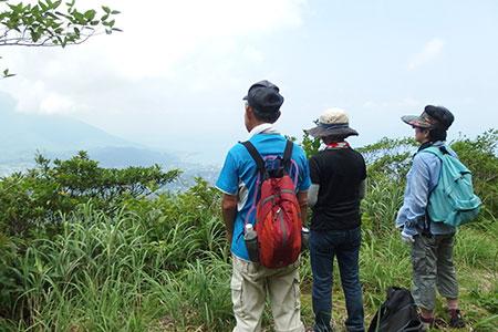 三原山縦断トレッキング
